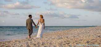 Choose Your Romantic Honeymoon Destination at a Beach