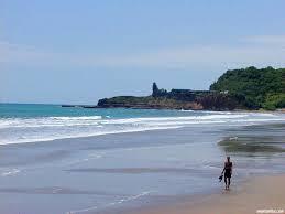 montanita beach ecuador