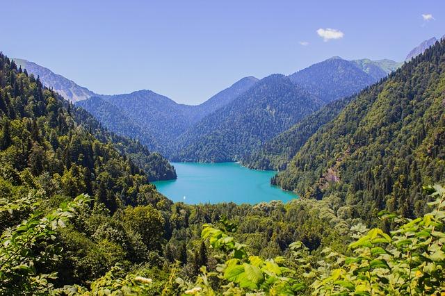 beautiful lakes in Georgia