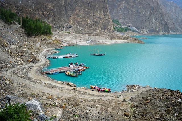 attabad lake in pakistan
