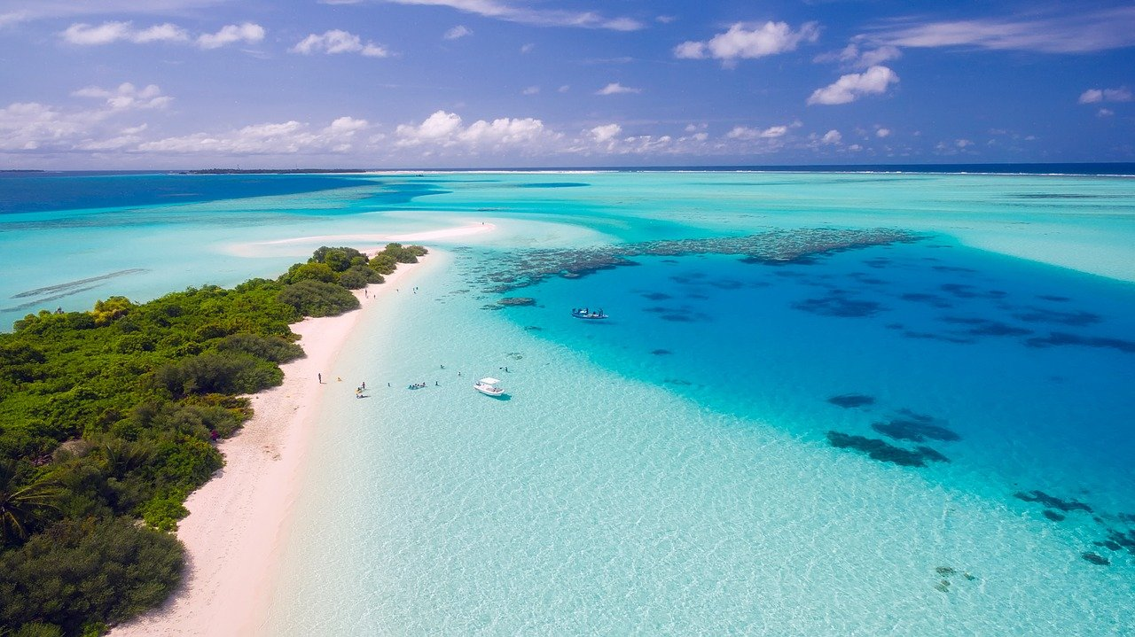 5 Reasons why the Maldives is a popular tourist destination?