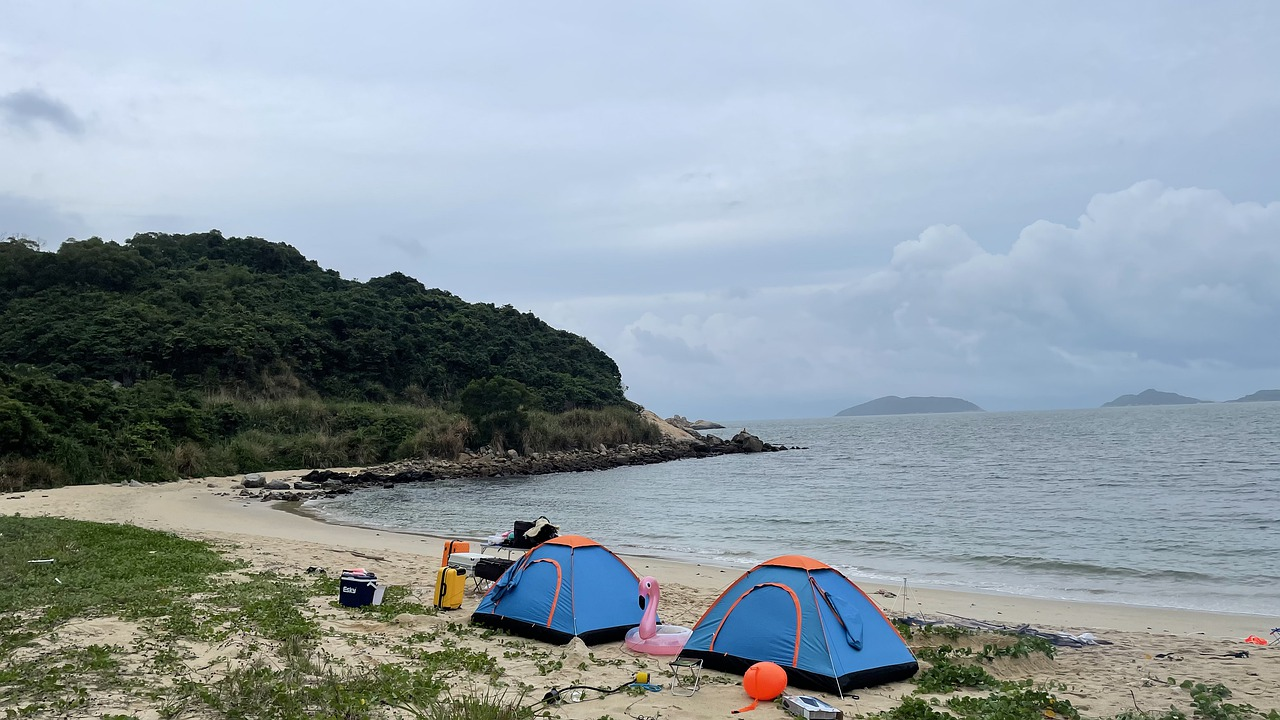 6 Amazing Wild Beach Camping Locations on the East Coast, US